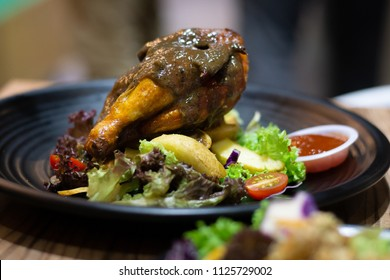 chicken black pepper sauce eat with vegetable salad