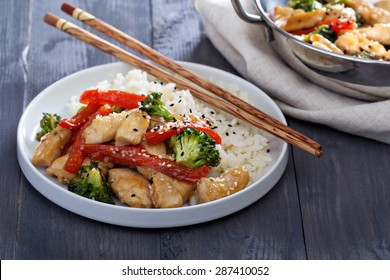 Chicken, broccoli and red pepper stir fry