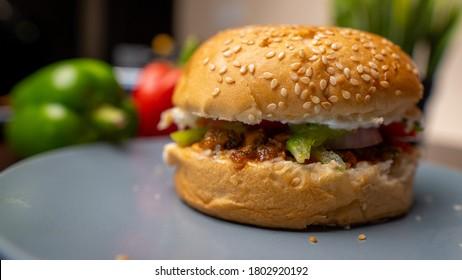 Chicken Burger Deliciuos, quick and easy