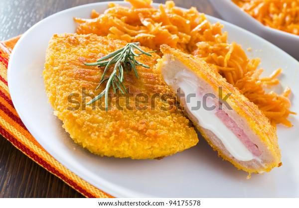 chicken-cordon-bleu-grated-carrots-600w-