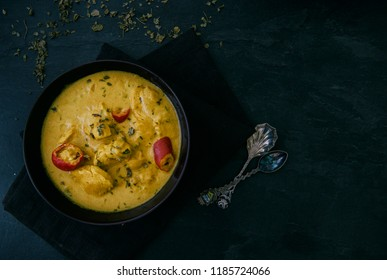 Chicken curry with yoguhrt and mint