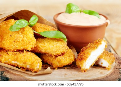 Chicken nuggets and sauce