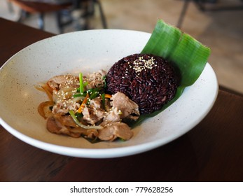 chicken chicken and riceberry rice with white sesame