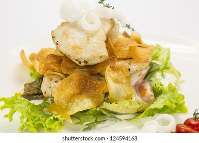 Chicken salad with lettuce and vegetables
