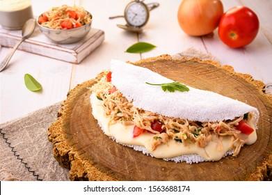 Hühnerteppiche Tapioca mit Auslaufpunkt| Typische nordöstliche brasilianische Küche