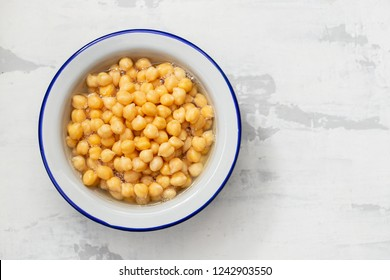 chickpeas on white bowl