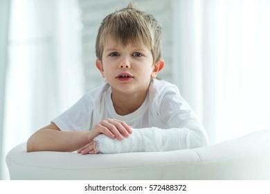 Child with broken arm