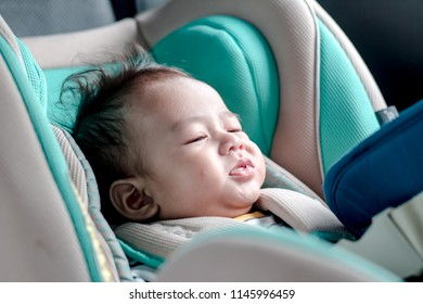 The child in the car seat