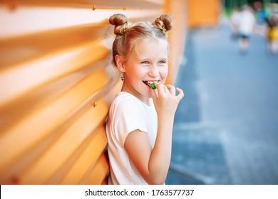 child eating candy background image
