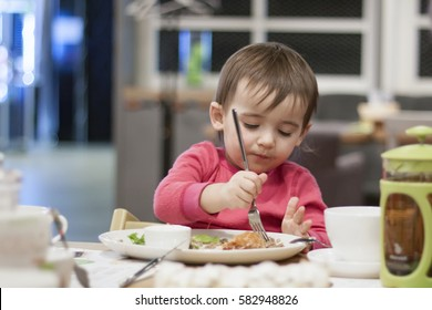 The child eats alone