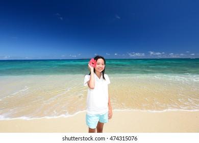 Child enjoy the sun
