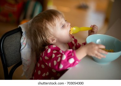 child have breakfast