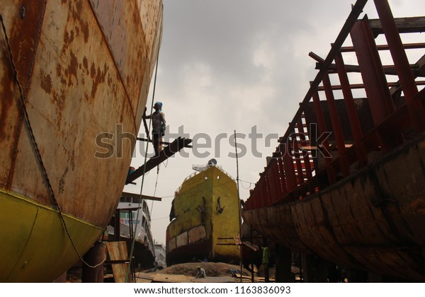 Child Labour Dockyard Sadarghat Dhaka Bangladesh Stock Photo