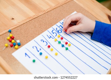 Child learn to count to ten