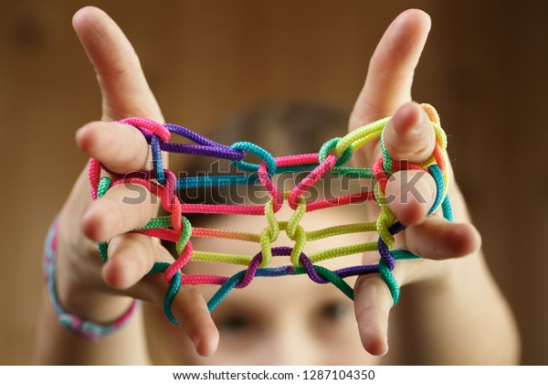 ZTRINGZ RAINBOW ROPE GAME Finger Skill Game Kids Childrens Skill Game Toy