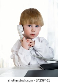 Child  speaking on the telephone