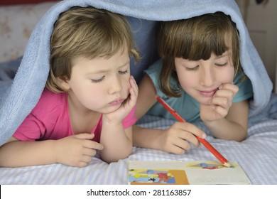 Children bonding together ion bad.