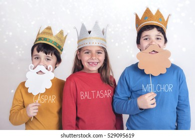 Children disguised as three wise men