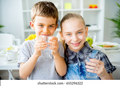 Children drinks water