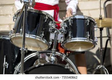 children play musical instruments