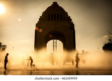 Children playing in Mexico City