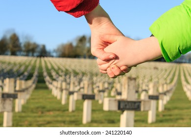 children walk hand in hand for peace world war 1