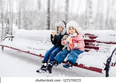 162ad129f299 playing in winter Images