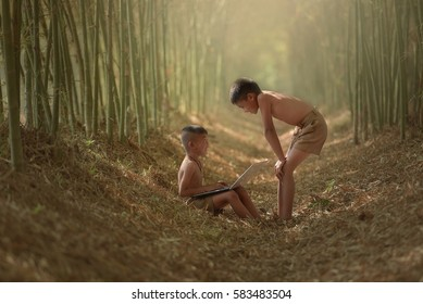 Children are welcome to use outdoor laptops in Vietnam.
