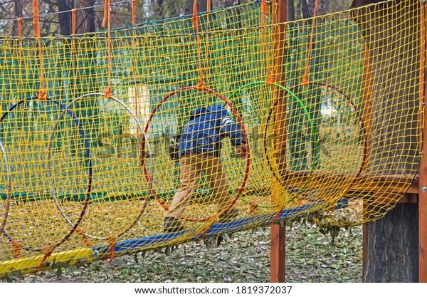 childrens-adventure-park-bridges-ropes-6