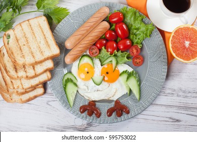 Children's breakfast Cute fried eggs owl fun picture of food