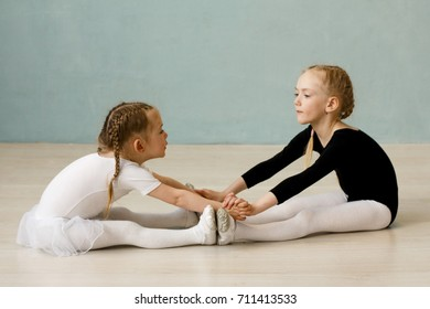 Children's choreography Little ballerina Pretty dancers in the Studio