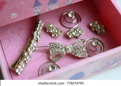 Box Costume Jewelry Images Stock Photos Vectors Shutterstock