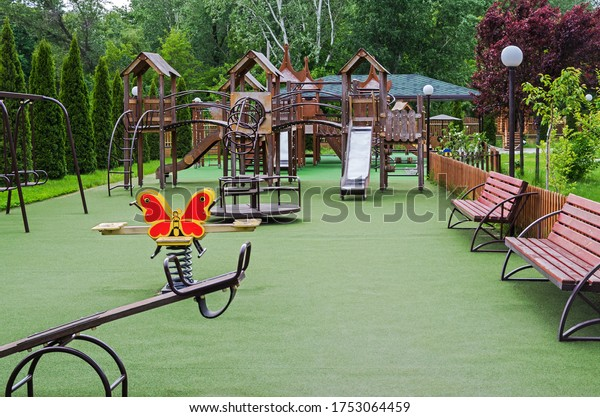 childrens-playground-many-attractions-co