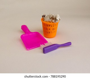 children's toy set for cleaning colored plastic