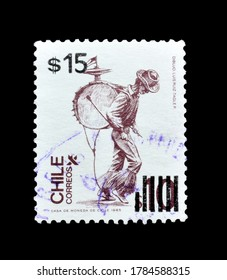 CHILE - CIRCA 1985 : Postage stamp printed by Chile, that shows One man band, circa 1985.