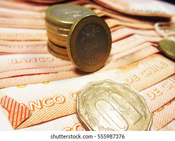 Chilean peso cash: banknotes and coins