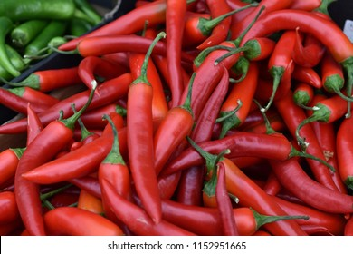 Chilipeppers in a pile