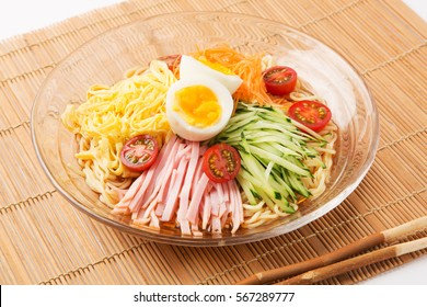 chilled chinese noodle with ham and vegetables