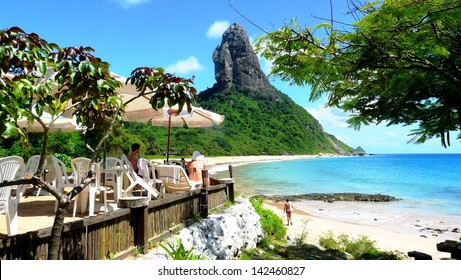 Chilling around in praia Conceição, on of the best beaches in Fernando Noronha, Brazil
