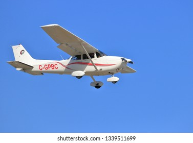 CHILLIWACK, BC/Canada - March 14, 2019: A Cessna 172S Skyhawk SP owned by Chinook Helicopters descends toward Chilliwack, BC, Canada airport on March 14, 2019.