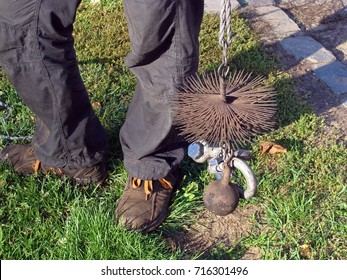 Chimney sweeper tools round wire brush with weight and rope