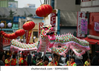 china dragon dance