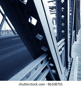 China's Shanghai ancient iron bridge