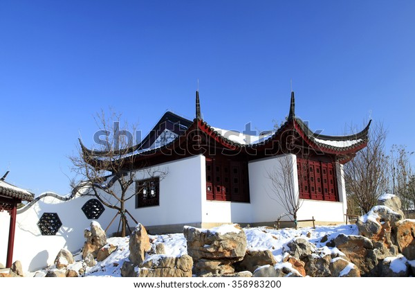 China's traditional pavilions