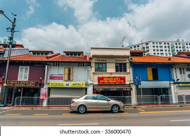 CHINATOWN, SINGAPORE OCTOBER 10, 2015: colorful historic architecture, shophouses in chinatown, Singapore on October 10, 2015, exterior