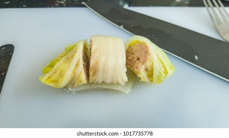 Chinese cabbage wrapped minced pork and steamed,A good menu to want to stay healthy , the best for people want to diet.