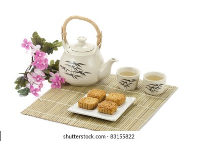 chinese cake with tea