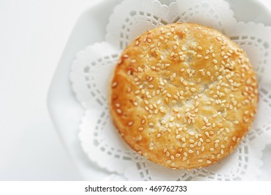 Chinese confectionery, sesame cake