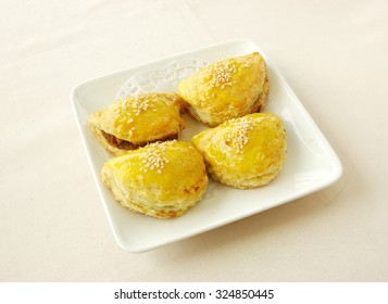 chinese cuisine. yumcha, chinese food. Fried shrimp balls .