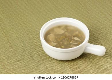 Chinese green bean porridge